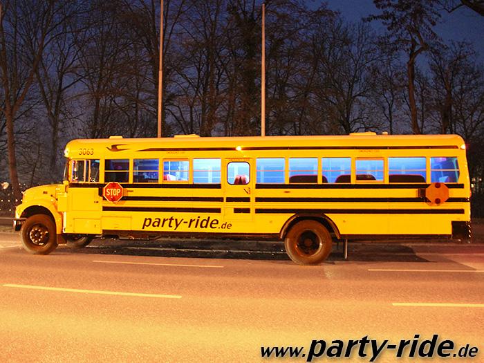 partyride-partybus-05